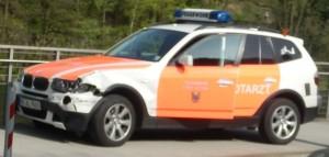 Cobra 11 sieht anders aus: Der Schaden am Feuerwehrwagen ist relativ gering.