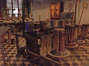 Eine alte Drahtziehmaschine, wie sie ab und zu im Deutschen Drahtmuseum in Altena in Funktion zu sehen ist. Foto: Hüls