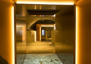 Mit sagenhaften Geschichten werden Besucher seit einem Jahr via Tunnel und Burgaufzug hoch zur Burg geführt.