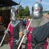 Ob das wohl heiße Eisen sind bei solch einem Wetter wie am Wochenende zum Mittelalterspektakel in Altena?