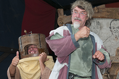 Dr. Bombastus: Der verdreht jedem den Kopf - auch beim Mittelalterfest 2015 in Altena.